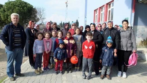 Okul Yakınındaki Baz İstasyonuna Tepki İçin Çocukları Göndermediler